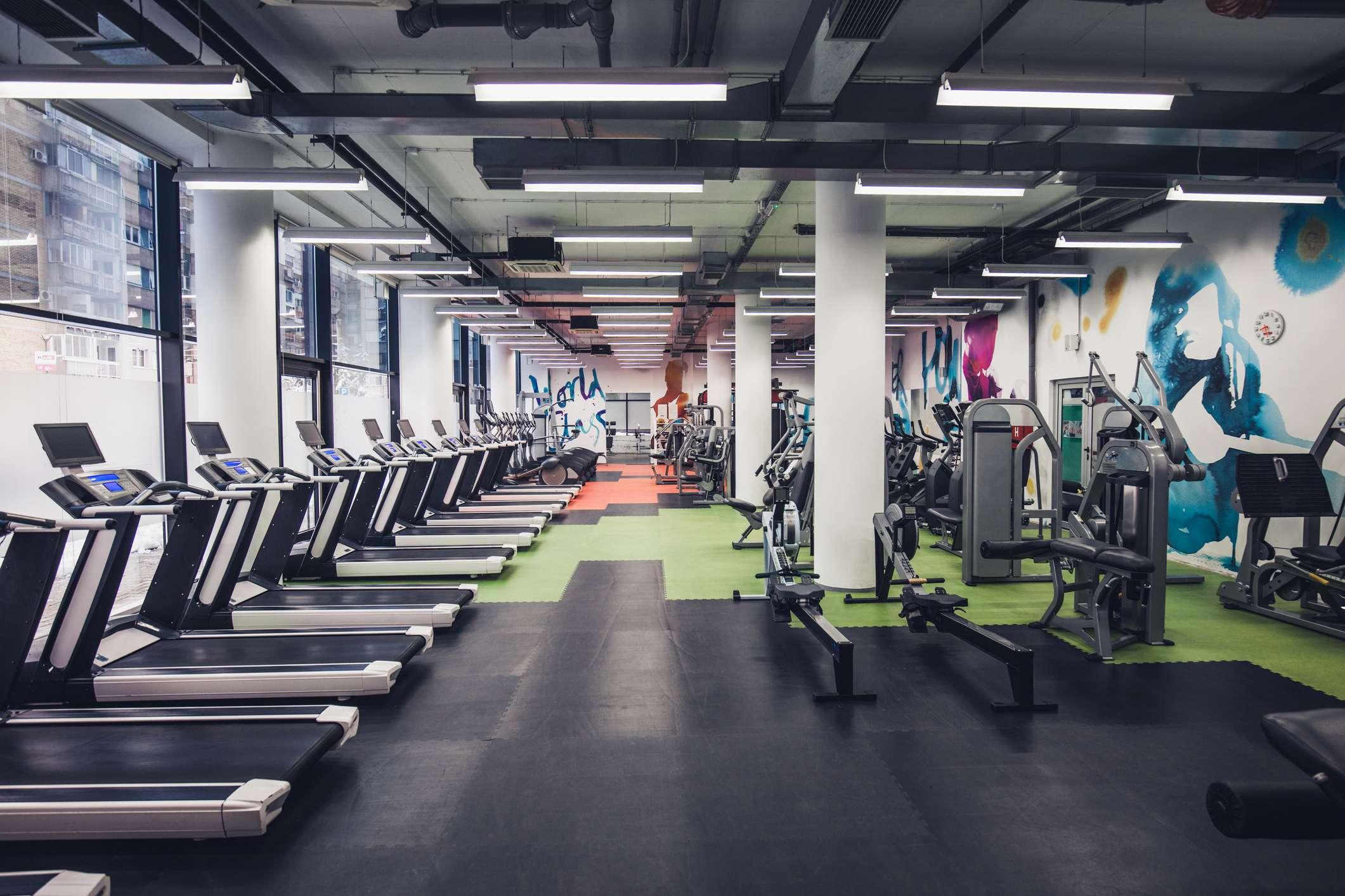 Будут ли закрыты фитнес клубы в москве ночной клуб фараон барнаула
